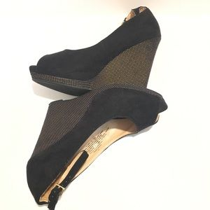 Mossimo ankle strap peep to wedges SZ 7.5